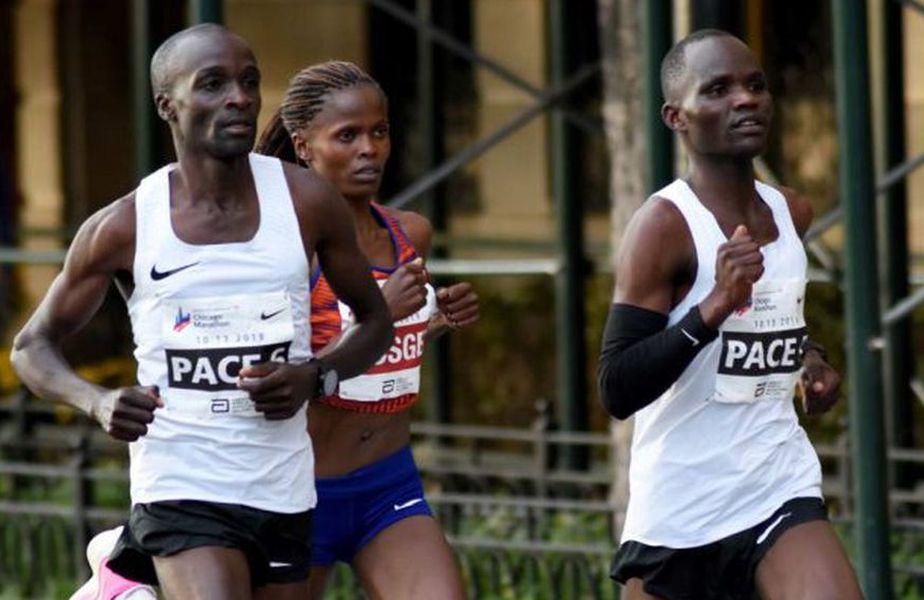 Geoffrey Kipsang Pyego și Daniel Limo alături de Brigid Kosgei în cursa de record de la Chicago