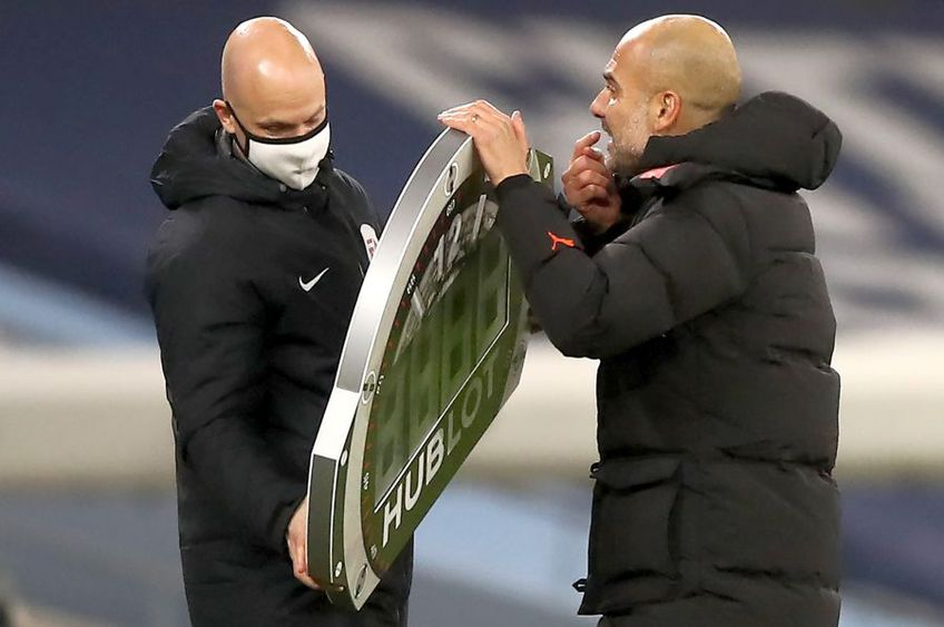 Pep Guardiola și arbitrul Anthony Taylor // foto: Guliver/gettyimages