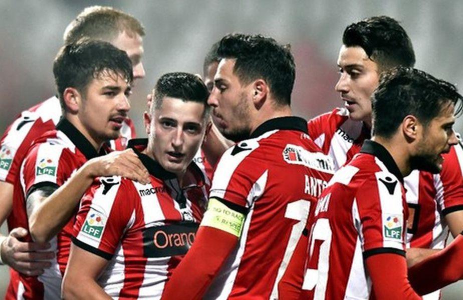 Dinamo speră să rezolve câteva mutări zilele viitoare, iar printre ele se numără și revenirea lui Steliano Filip (26 de ani, fundaș stânga).