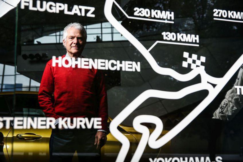 Andrei Bellu la sediul BMW Welt din Munchen, locul unde divizia M a celor de la BMW are un loc special amenajat // Foto: Dragoș Savu