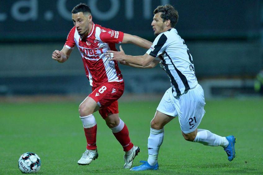 Paul Anton (stânga), în Astra - Dinamo 0-0
