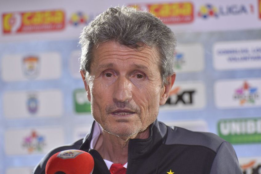 """Gigi Mulțescu, 69 de ani, fostul antrenor al lui Dinamo, are încredere că Dusan Uhrin (53), înlocuitorul său, îi va salva pe """"câini"""" de la retrogradare."""