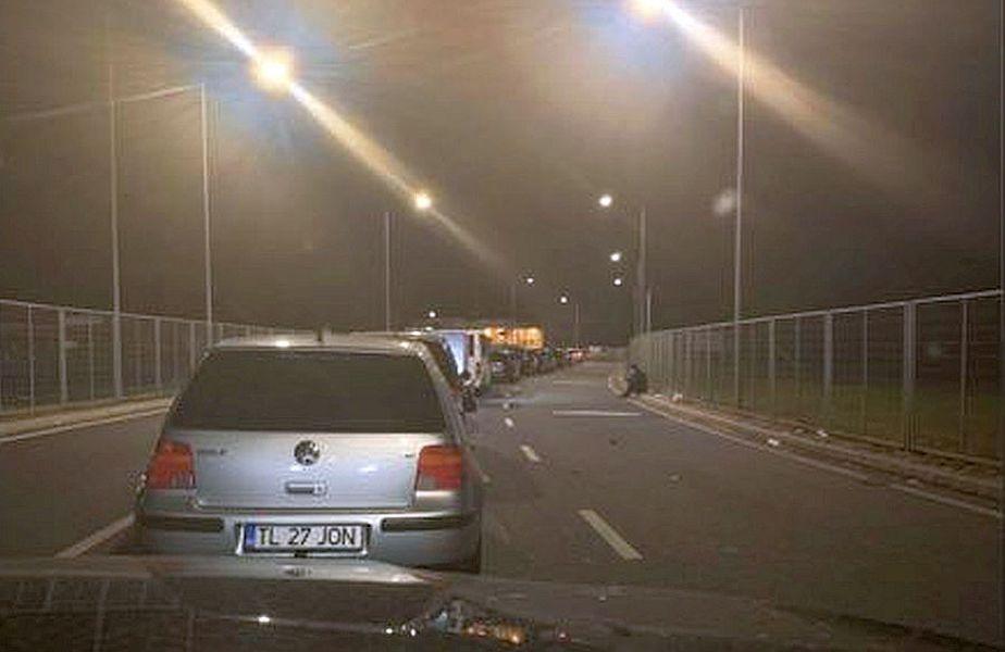 Așa se vedea coada la intrarea în vama Nădlac la ora 02:00 din mașina lui Răzvan Marin