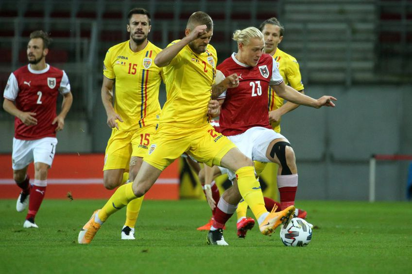 Alexandru Crețu (#2, în galben), în Austria - România 2-3 // foto: Imago