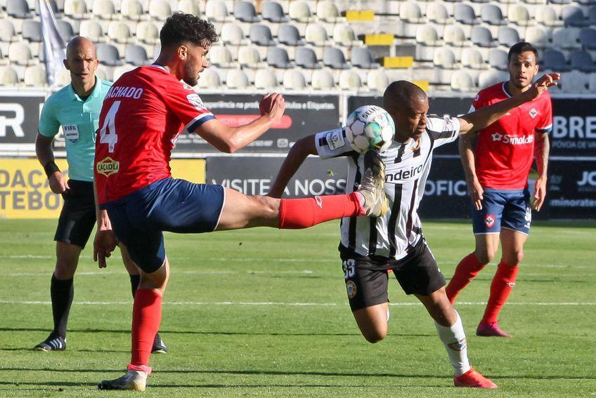 Pedro Machado (stânga) în tricoul lui Oliveirense. Foto: Imago Images