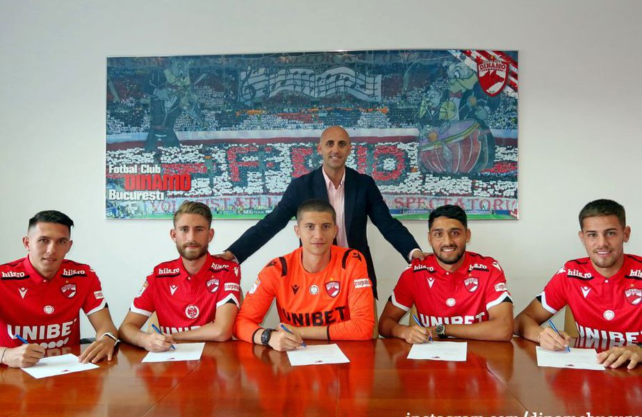 Dinamo a anunțat că le-a prelungit contractele lui Ricardo Grigore, Robert Moldoveanu, Marco Ehmann, Geani Crețu și Mihai Eșanu.