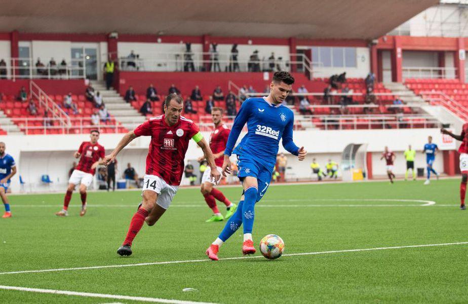 Rangers a învins-o categoric pe Lincoln (Gibraltar), scor 5-0, în turul doi preliminar din Europa League. Ianis Hagi (21 de ani, mijlocaș ofensiv) a fost integralist la oaspeți.