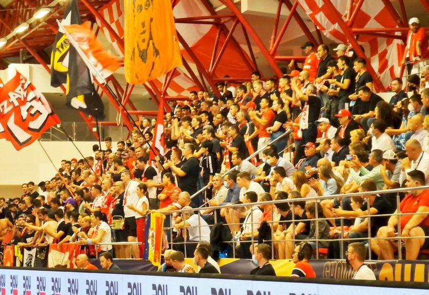 Dinamo a revenit cu o victorie entuziasmantă în grupele Ligii Campionilor la handbal masculin, 32-28 contra lui Vive Kielce. Xavi Pascual încearcă în continuare să întărească lotul. Ținta este Eduardo Gurbindo (33 de ani).