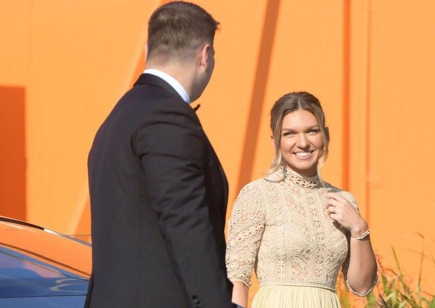 Simona Halep, a 11-a jucătoare a lumii, s-a căsătorit miercuri cu Toni Iuruc. Criticul de modă Iulia Albu a lăudat ținutele miresei.