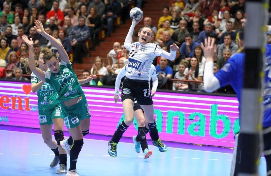 SCM Rm. Vâlcea joacă astăzi, de la ora 19:00, în sala lui Gyor, într-un meci din runda cu numărul 5 a Ligii Campionilor la handbal feminin.