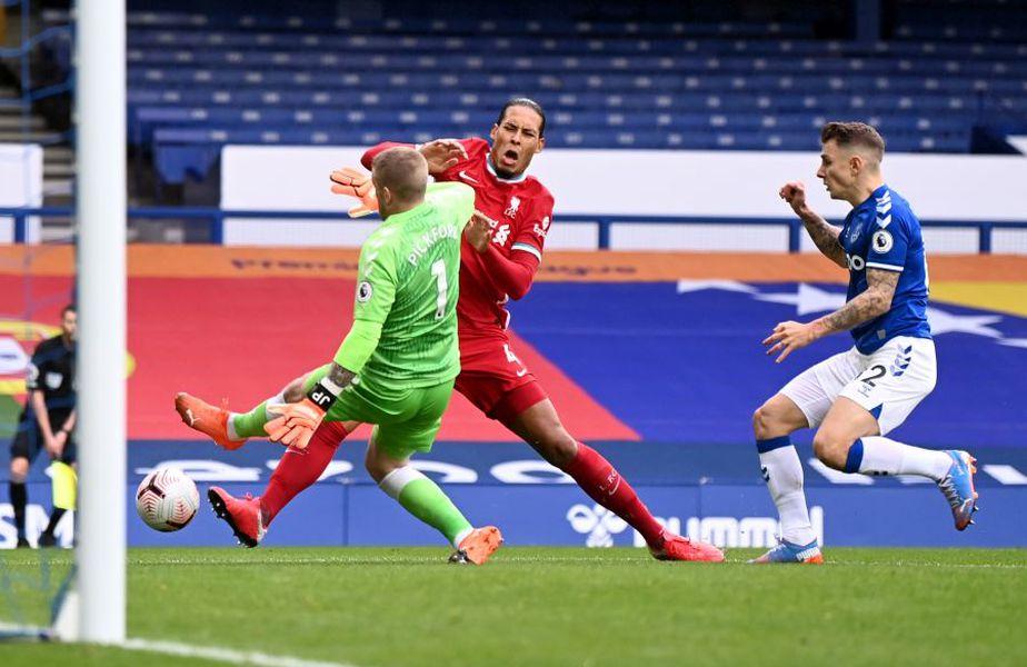 Momentul accidentării lui Virgil van Dijk // foto: Guliver/gettyimages