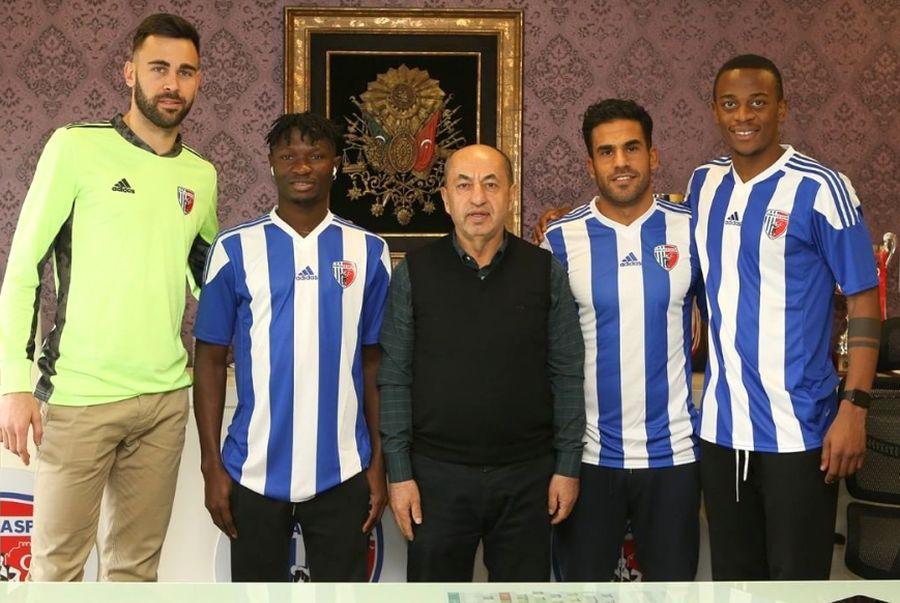 Tomas Mejias (primul din stânga), prezentat la Ankaraspor // foto: Instagram @ ankaraspor_2020
