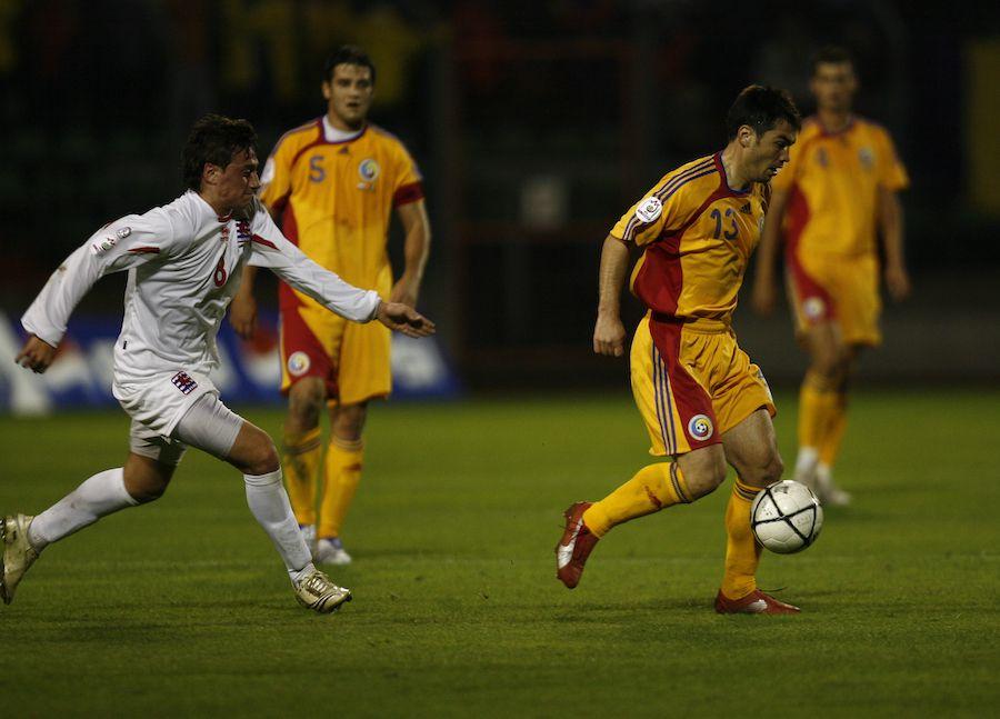 Mărgăritescu la echipa națională, urmărit din depărtare de Cristi Chivu