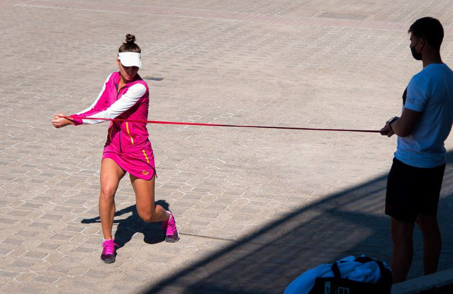 Kudermetova și Demekhine la Abu Dhabi, înainte de plecarea spre Melbourne Foto Imago Images