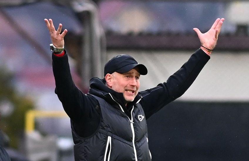 """CFR Cluj a câștigat primul meci din play-off, 3-0 cu Academica Clinceni. Edi Iordănescu (42 de ani), antrenorul """"feroviarilor"""", l-a delegat pe Marius Bilașco (39 de ani) la interviurile de după meci."""