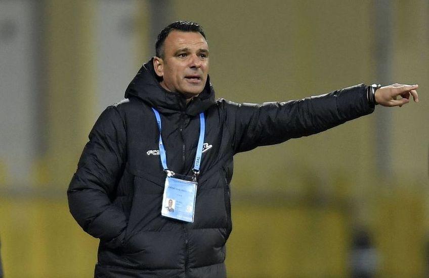 FCSB a câștigat meciul cu FC Botoșani, scor 2-1. Toni Petrea (46 de ani) i-a lăudat pe Octavian Popescu și pe Ionuț Panțîru, cei doi marcatori, și a oferit detalii despre accidentarea lui Olimpou Moruțan.