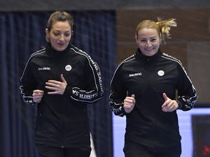 Simona Stancu și Cristina Năstase arbitrează finala Ligii Campionilor la handbal feminin!