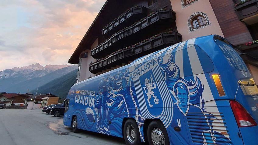 Avion personalizat pentru CS Universitatea Craiova! Elevii lui Ouzounidis stau la un hotel la care a fost cazată naționala Spaniei