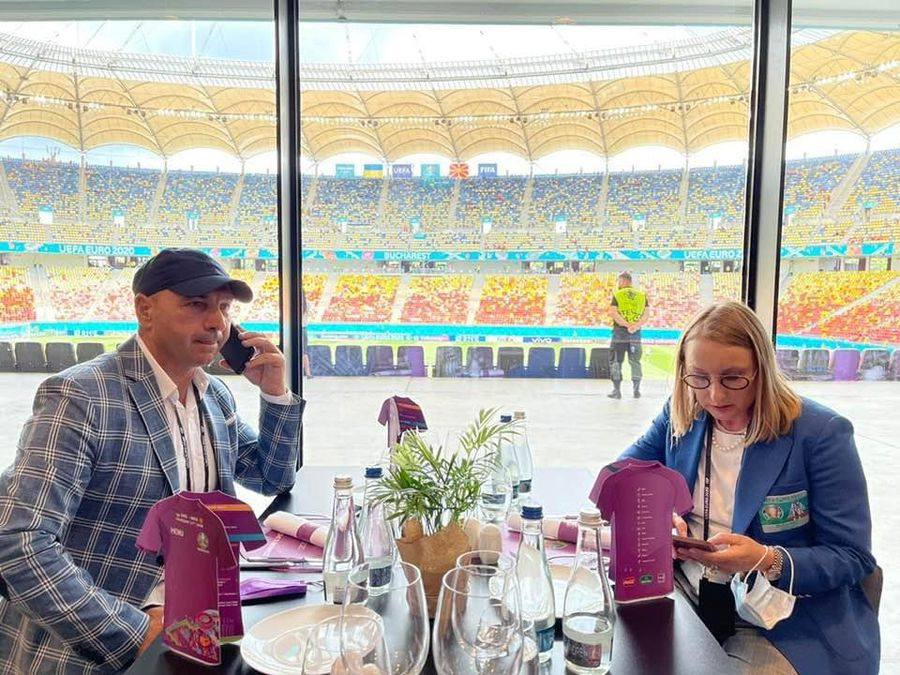 GSP a aflat cu ce sunt servite VIP-urile care merg pe Arena Națională, la meciurile de la Euro » Pui marinat în lapte de cocos și plăcintă turcească