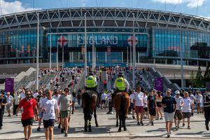 Renunță Londra la semifinalele și finala Euro 2020?! Boris Johnson, mesaj după amenințările făcute de UEFA