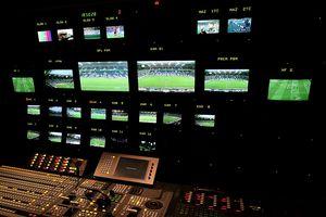 Au bătut palma cu FRF! Cine va transmite următoarele 3 sezoane de Liga 2, Cupa României și Supercupa