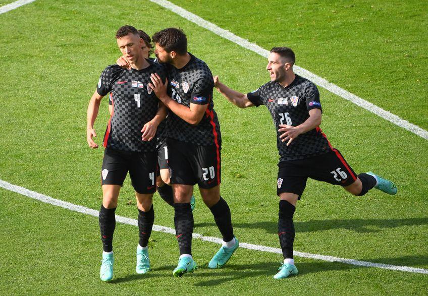 Cehia a luat o opțiune serioasă pentru calificarea în optimile de finală. A învins Scoția, scor 2-0, prin dubla lui Patrik Schick.