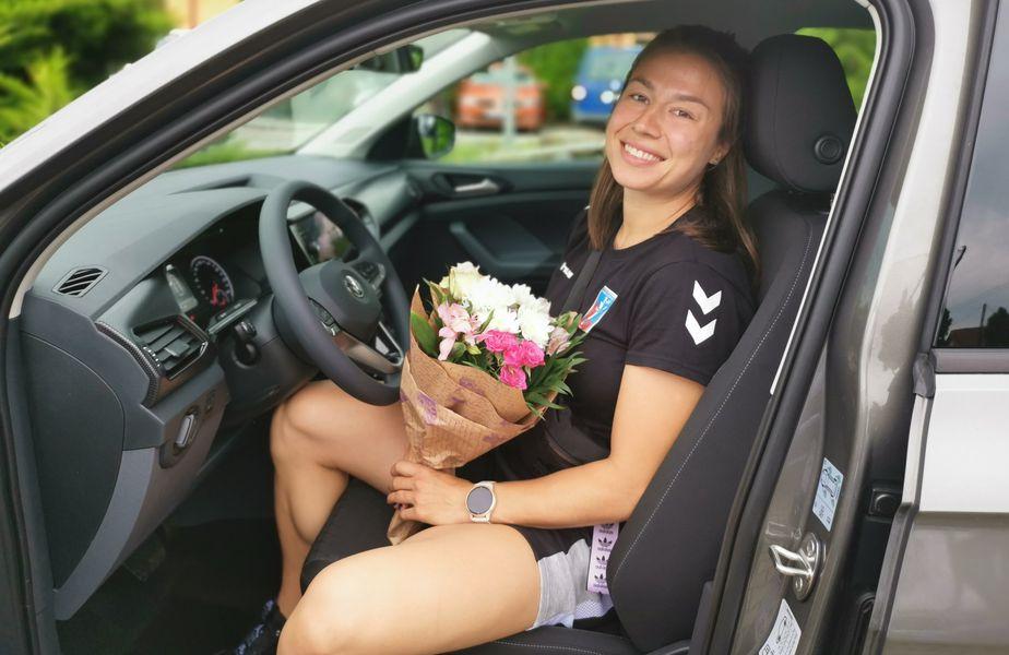 Irina Glibko e nerăbdătoare să conducă noua mașină