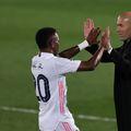 Real Madrid a scos doar un punct pe terenul lui Getafe, scor 0-0, și pierde teren în lupta pentru titlu din Spania. Zinedine Zidane (48 de ani) a vorbit la superlativ despre prestația elevilor săi.