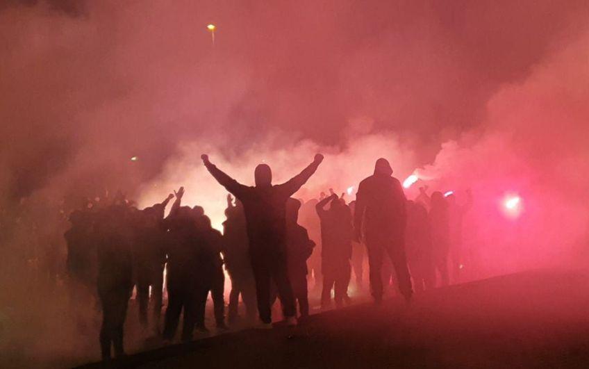 O parte dintre suporterii lui FC U au înjurat și gesticulat spre autocarul rivalei