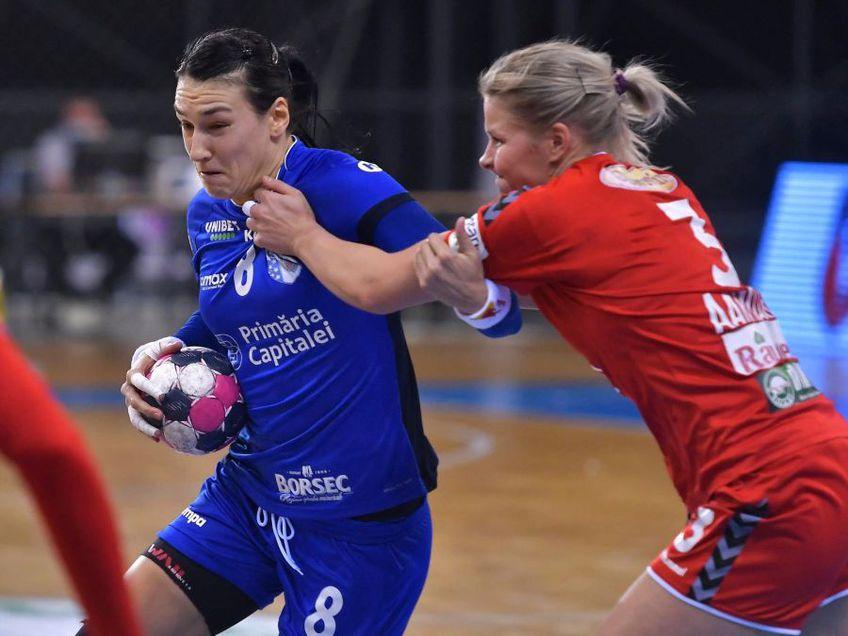 Cristina Neagu în duel cu Maren Aardahl