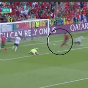 4. Ronaldo împinge mingea în poartă // foto: captură PRO TV