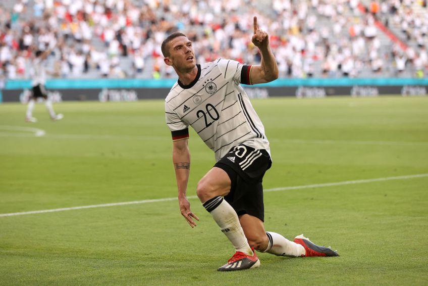 """Robin Gosens (26 de ani) a fost cel mai bun fotbalist în victoria obținută de Germania, scor 4-2 cu Portugalia. Fundașul stânga de la Atalanta a avut și un """"meci"""" personal cu starul Cristiano Ronaldo (36 de ani)."""