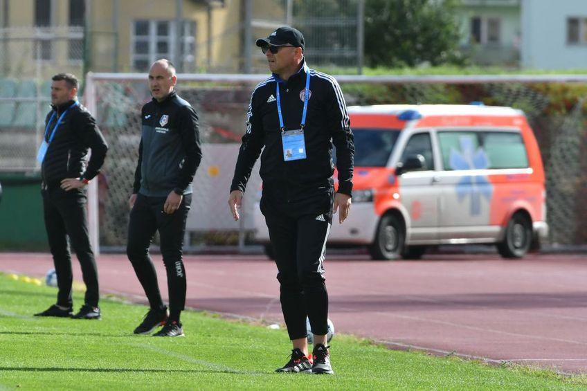 Sepsi și UTA au remizat, scor 0-0, în runda #9 din Liga 1. Leo Grozavu, antrenorul covăsnenilor, pune din nou rezultatele modeste pe seama plecărilor din vară.
