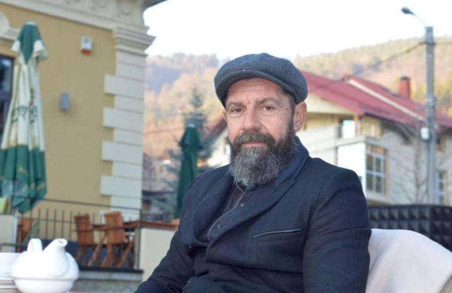 """Angelo Alistar (45 de ani) deține acum o pensiune, despre care spune că e o """"afacere de familie"""" FOTO: Vlad Nedelea"""