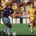 Carlos Valderrama (59 de ani)  și James Rodríguez (29 de ani) s-au certat, după ce actualul căpitan al naționalei l-a luat peste picior pe Freddy Rincón, mijlocaș al selecționatei Columbiei la Mondialele din 1990, 1994 și 1998.
