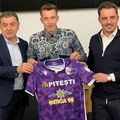 Alexandru Ișfan, alături de Cristian Gentea (primar Pitești și președinte FC Argeș) și Bogdan Apostu, intermediar