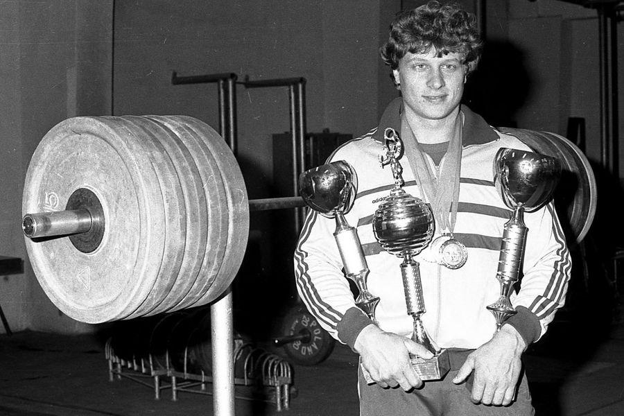 Halterele, cel mai viciat sport? + O nouă modă: dopingul în echipă, exemplul Corona Brașov
