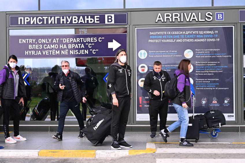 Naționala României la sosirea în Skopje