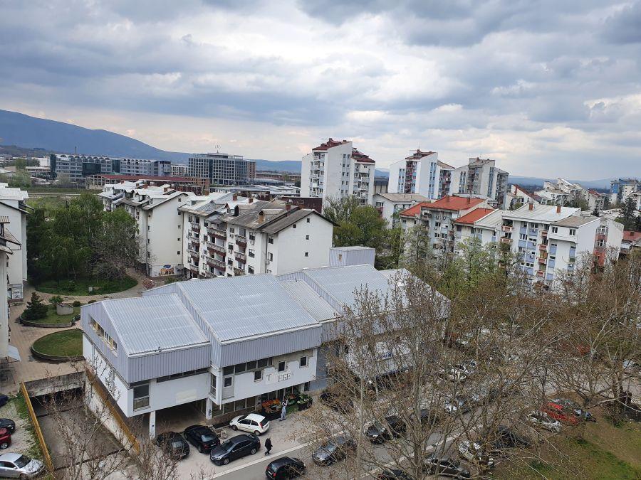 Așa arată majoritatea blocurilor din Skopje