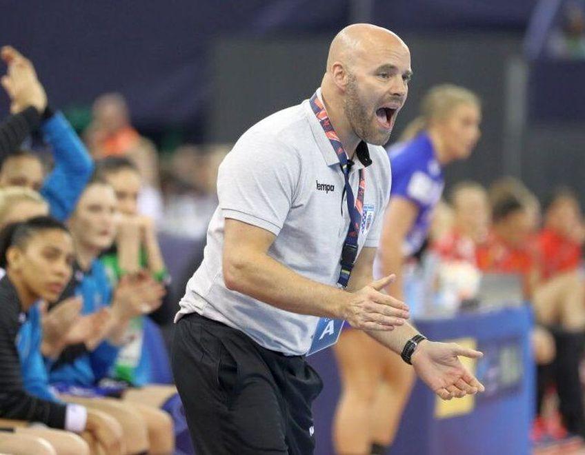 Dat afară de Muntenegru, după ce i-a calificat la Jocurile Olimpice, danezul Kim Rasmussen și-a găsit repede echipă. Va prelua Gloria Bistrița din vară, dar are obiective greu de atins.