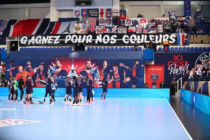 Parizienii le mulțumesc fanilor după calificarea în Final 4 FOTO IMAGO