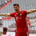 """Lewandowski a mai reuşit o """"dublă"""" şi a ajuns la 33 de goluri marcate"""