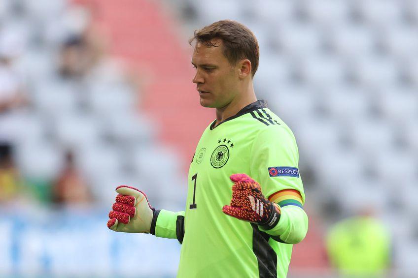 UEFA a încetat investigația asupra lui Manuel Neuer (35 de ani), căpitanul Germaniei, care a purtat o banderolă în culorile curcubeului la ultimele meciuri ale nemților.