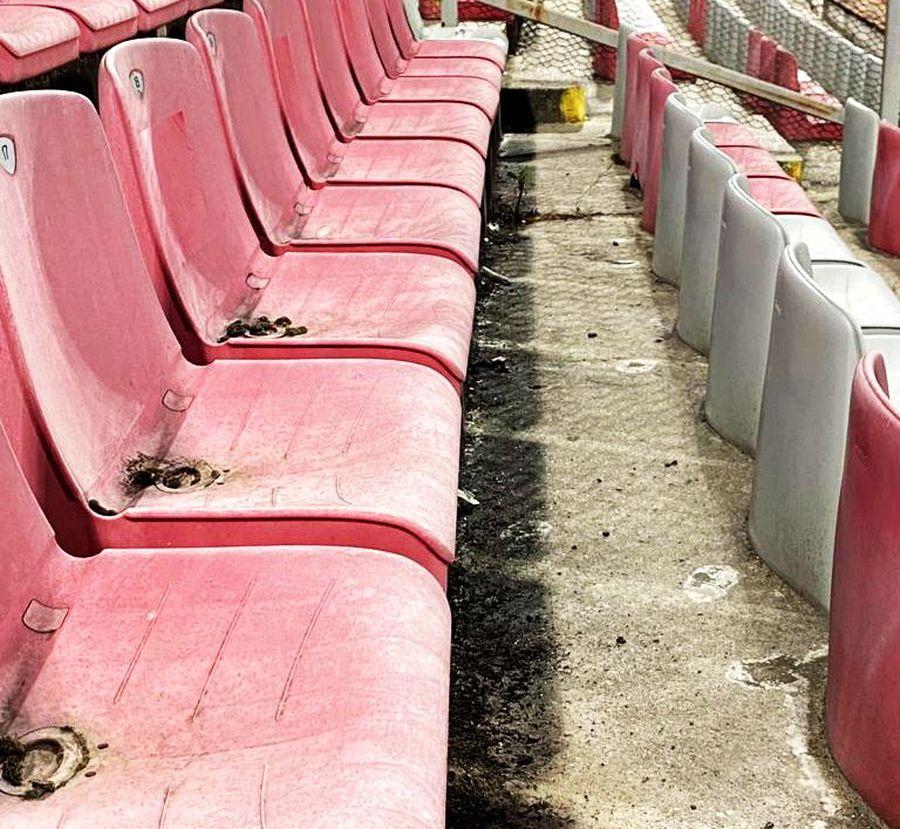 3 lucruri care nu s-au văzut la TV la debutul lui Dinamo în noul sezon: condițiile horror din stadion + cine a fost celălalt dinamovist înjurat de fani