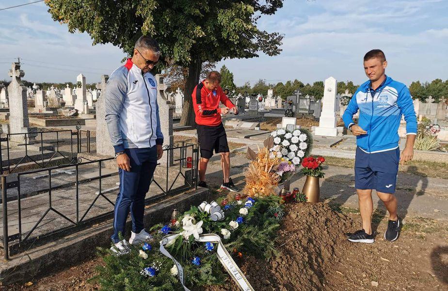 """Pancu, Cristea și Onofraș au depus flori la mormântul lui Ionuț Popa: """"Și-au amintit cum le descrețeai frunțile cu replicile pline de umor"""""""