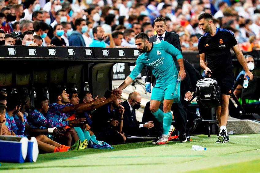 Dani Carvajal, după ce a părăsit terenul în meciul cu Valencia // foto: Imago