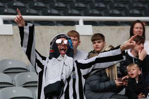 """Newcastle, apel către fani: """"Nu mai veniți la stadion îmbrăcați în haine arăbești!"""""""