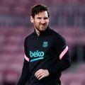 Căpitanul Leo Messi înfruntă la Madrid pe Atlético, una din victimele preferate, căreia i-a marcat 32 de goluri în 41 de dueluri. Are în total 677 în tricoul Barcelonei. Foto: Guliver/GettyImages