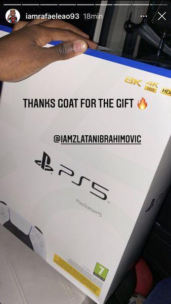 Zlatan Ibrahimovic, cadou pentru Tătărușanu