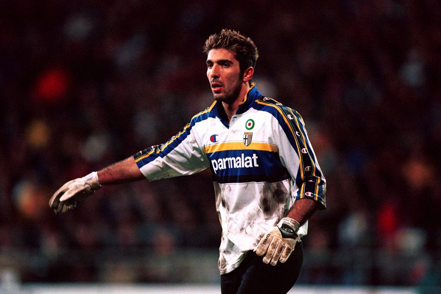 Gianluigi Buffon în tricoul Parmei FOTO Imago